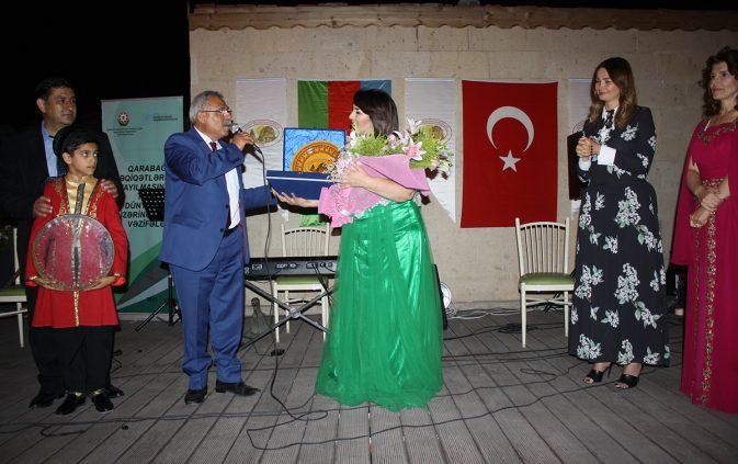 Uçhisar'da Azeri müzik rüzgarı esti.